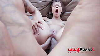 First time double anal for Lady Milf YE059