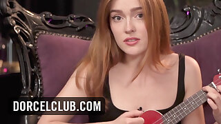 DORCEL INTERVIEW - Jia Lissa sings her song and plays for you