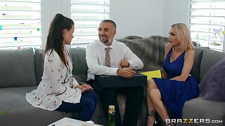 Raunchy MILF bombshell Devon with bubble there in hot sex truss